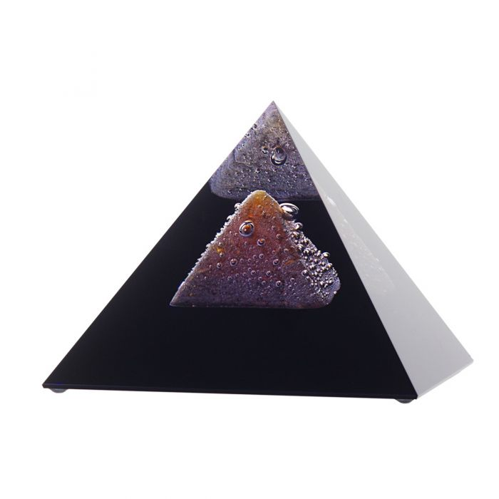 Pyramid Reflection 10 x 10 cm